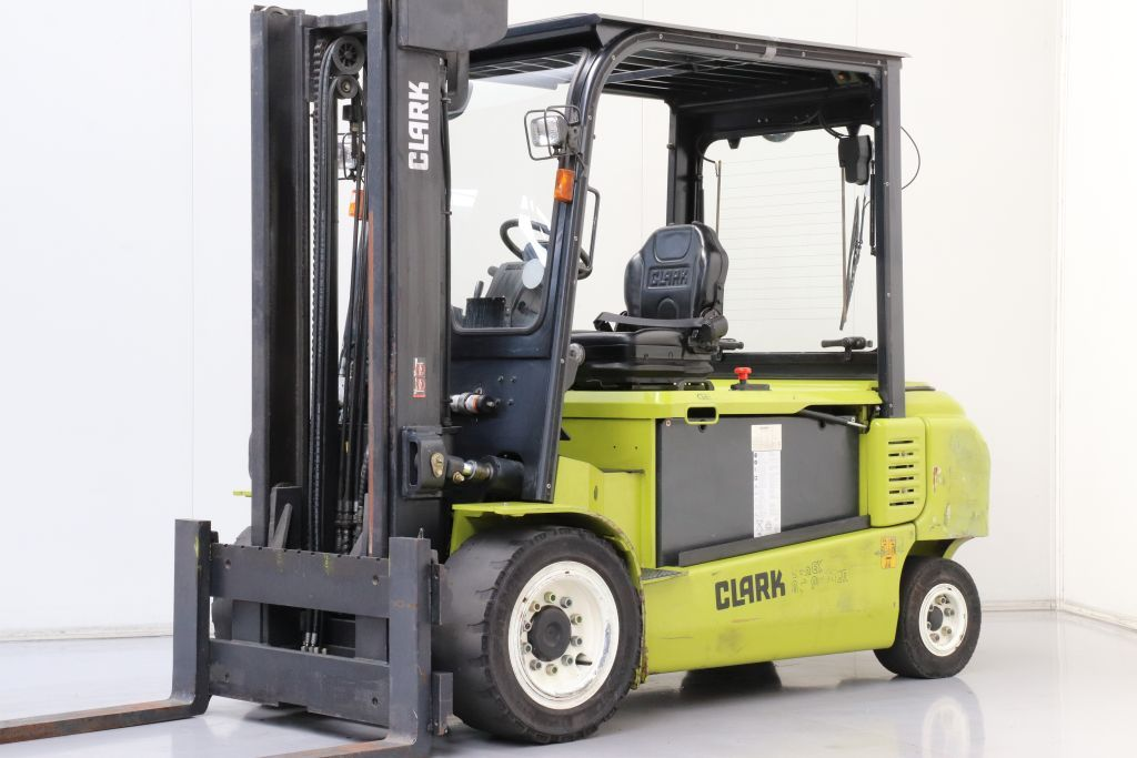 Clark GEX50 Electric 4-wheel forklift www.bsforklifts.com