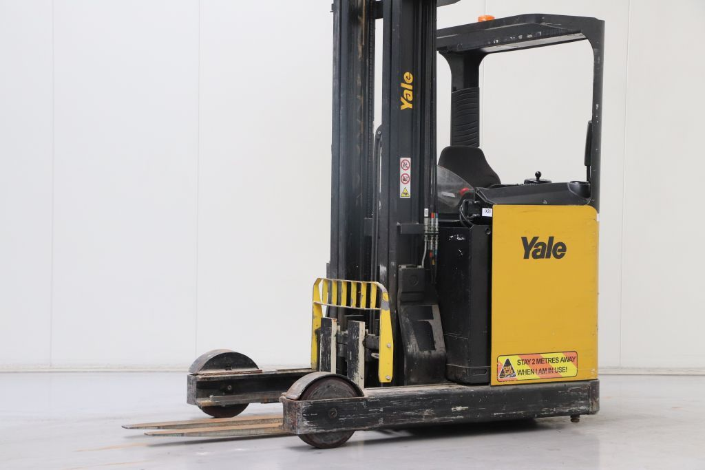 Yale MR20 Reach Truck www.bsforklifts.com