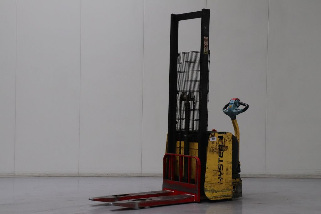 Hyster S1.2AC Stoccatore www.bsforklifts.com