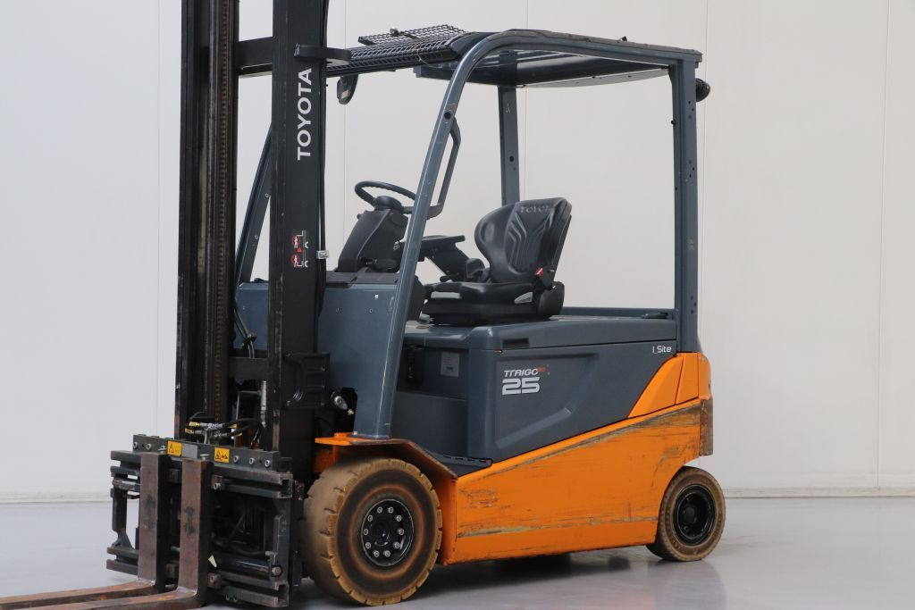 Toyota 8FBMT25 Electric 4-wheel forklift www.bsforklifts.com