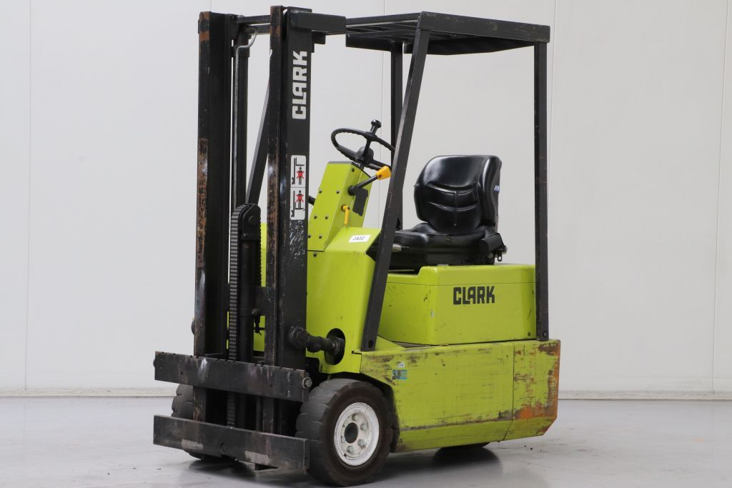 Clark TM12S Electric 3-wheel forklift www.bsforklifts.com