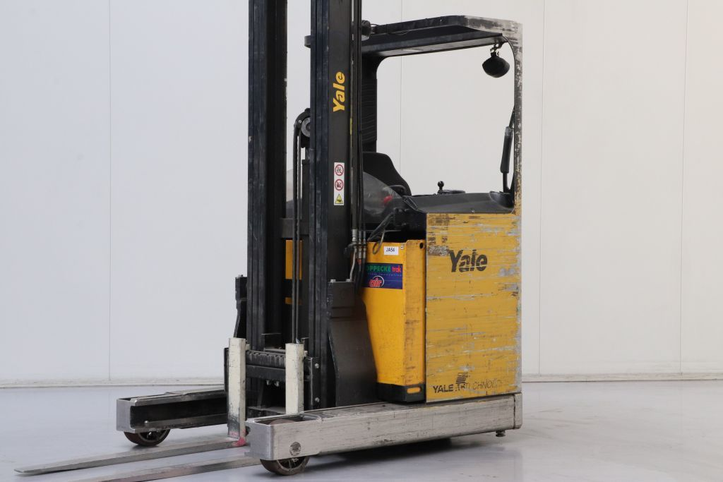 Yale MR14 Reach Truck www.bsforklifts.com