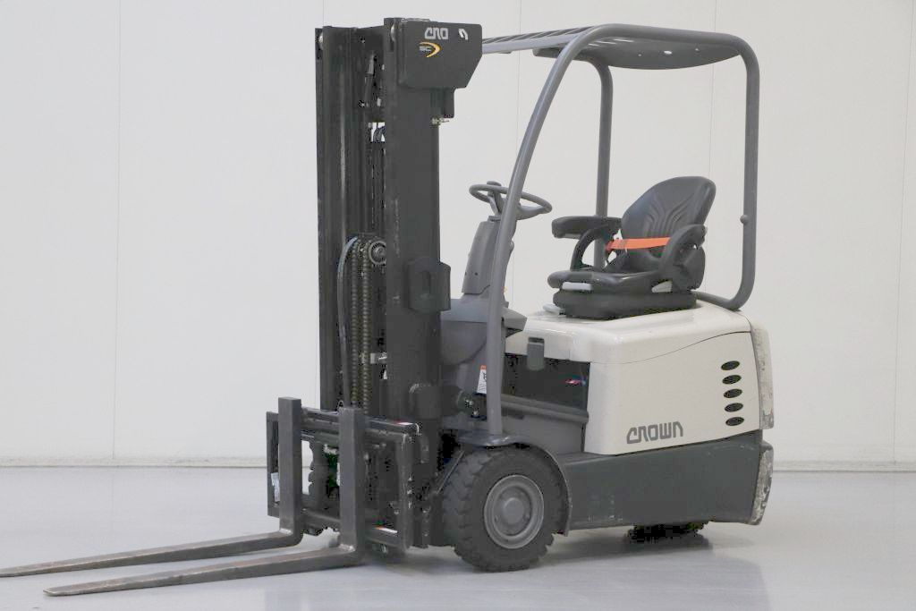 Crown SC5310-1.3 Electric 3-wheel forklift www.bsforklifts.com