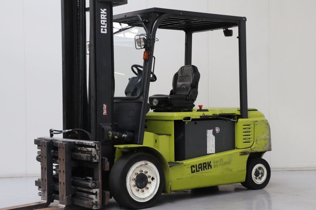 Clark GEX40 Electric 4-wheel forklift www.bsforklifts.com