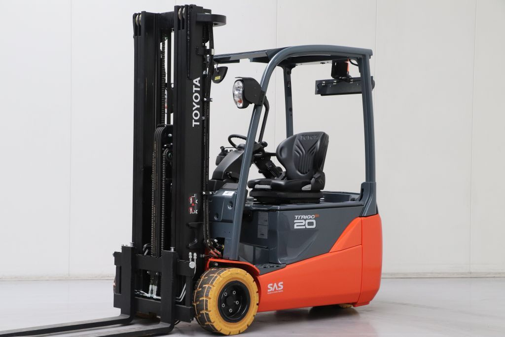 Toyota 8FBE20T Electric 3-wheel forklift www.bsforklifts.com