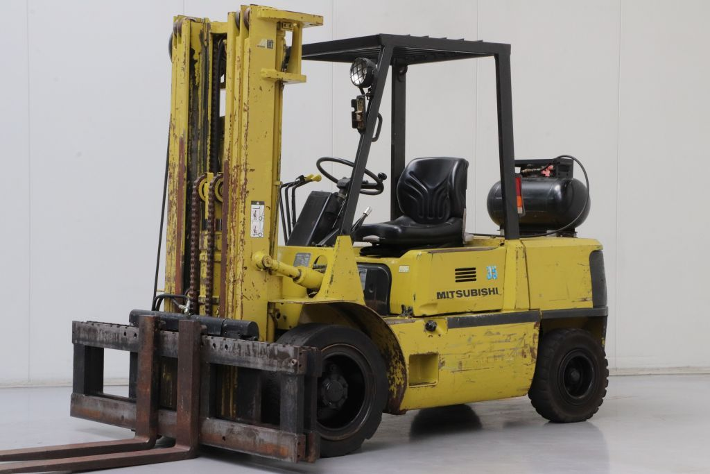 Mitsubishi FG35A Frontale Gpl www.bsforklifts.com