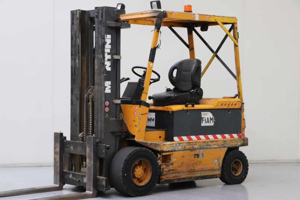 Montini 3000-CHCE Electric 4-wheel forklift www.bsforklifts.com