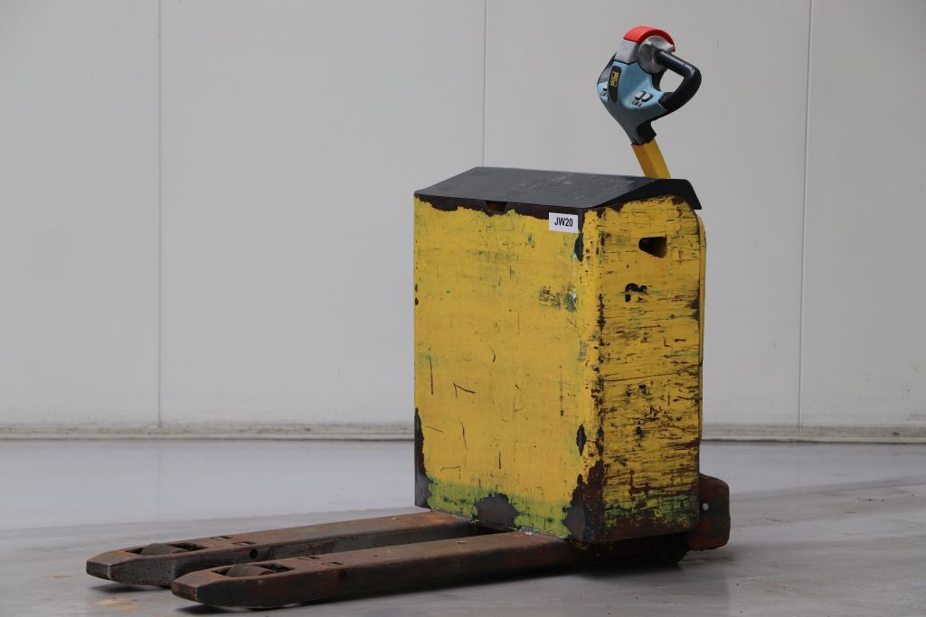 Hyster P2.0LAC Electric Pallet Truck www.bsforklifts.com