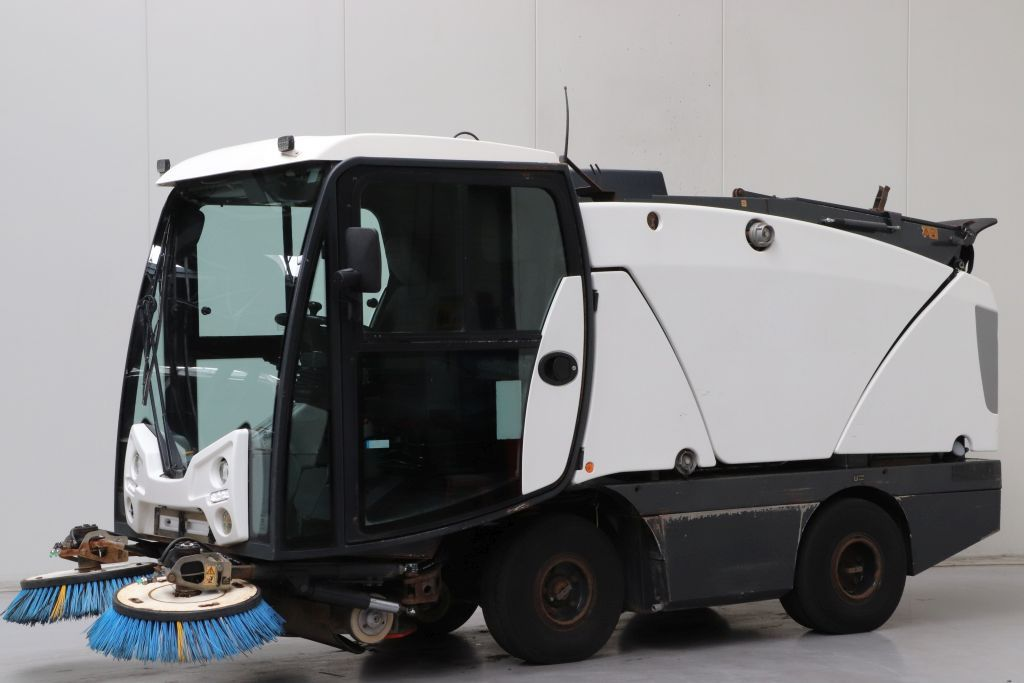 Johnston  Sweepers and vacuum cleaning machine www.bsforklifts.com