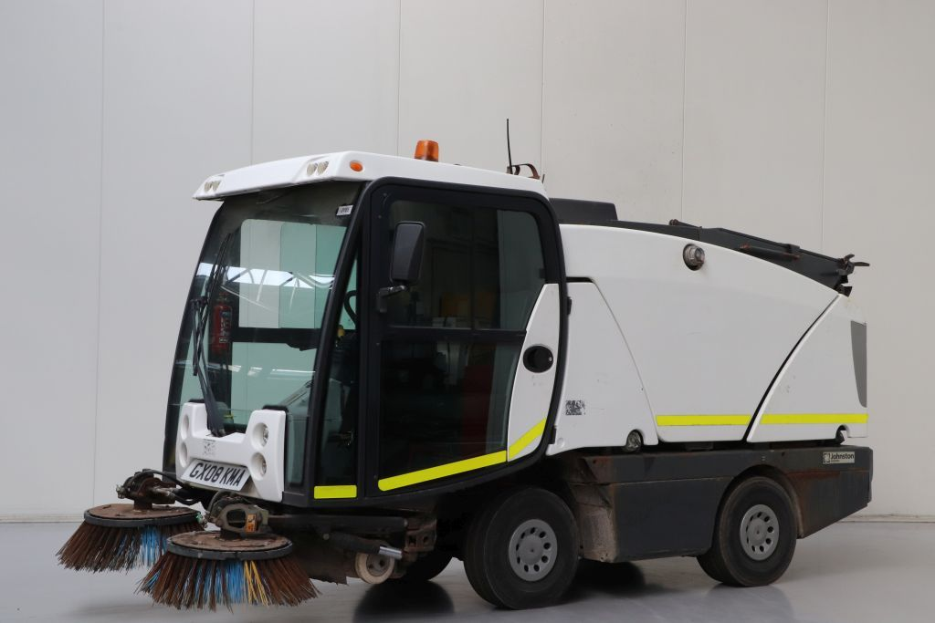 Johnston 142A 101T Sweepers and vacuum cleaning machine www.bsforklifts.com