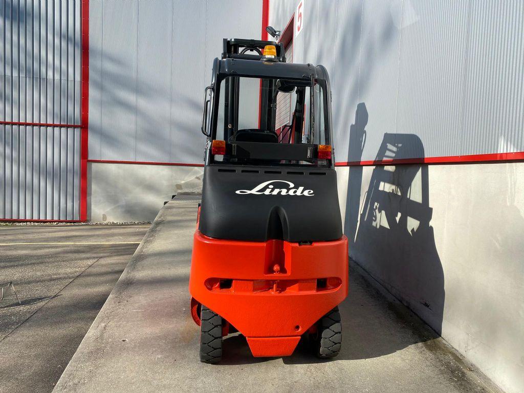 Linde E30S-03/600 Elektro 4 Rad-Stapler www.sbstapler.ch
