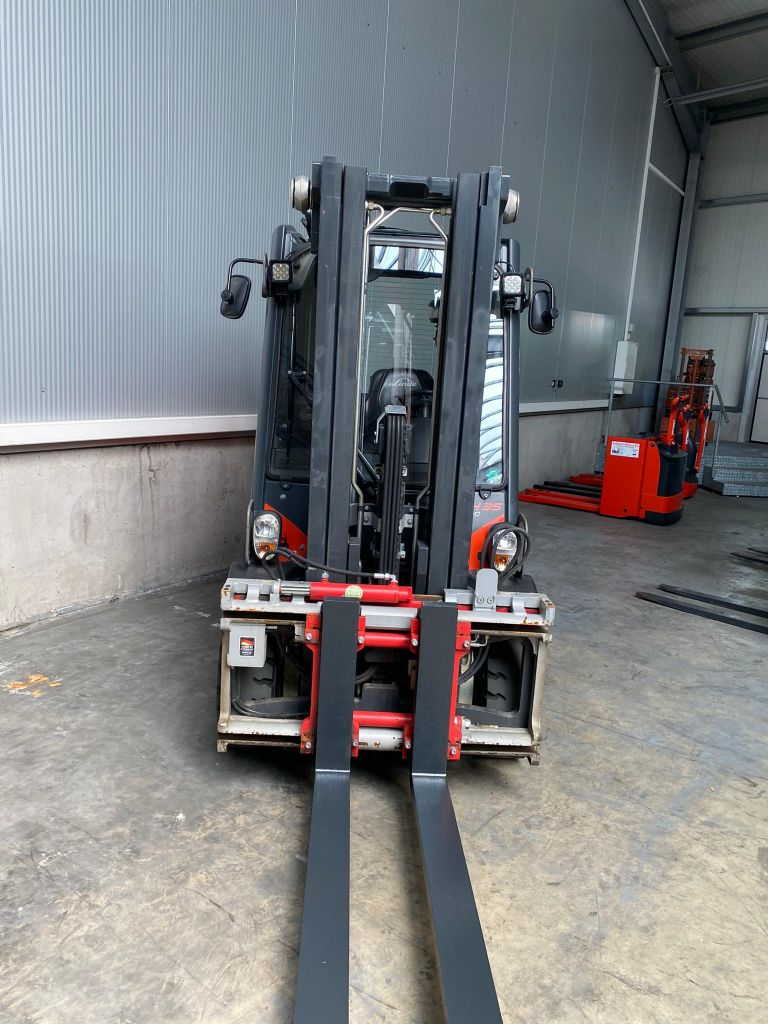 Linde H35D Dieselstapler www.sbstapler.ch
