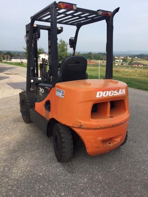 Doosan 30 PRO 5 Dieselstapler www.burgstaller.cc