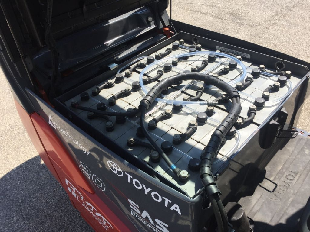 Toyota 8FBET20 Elektro 3 Rad-Stapler www.cemiat.com