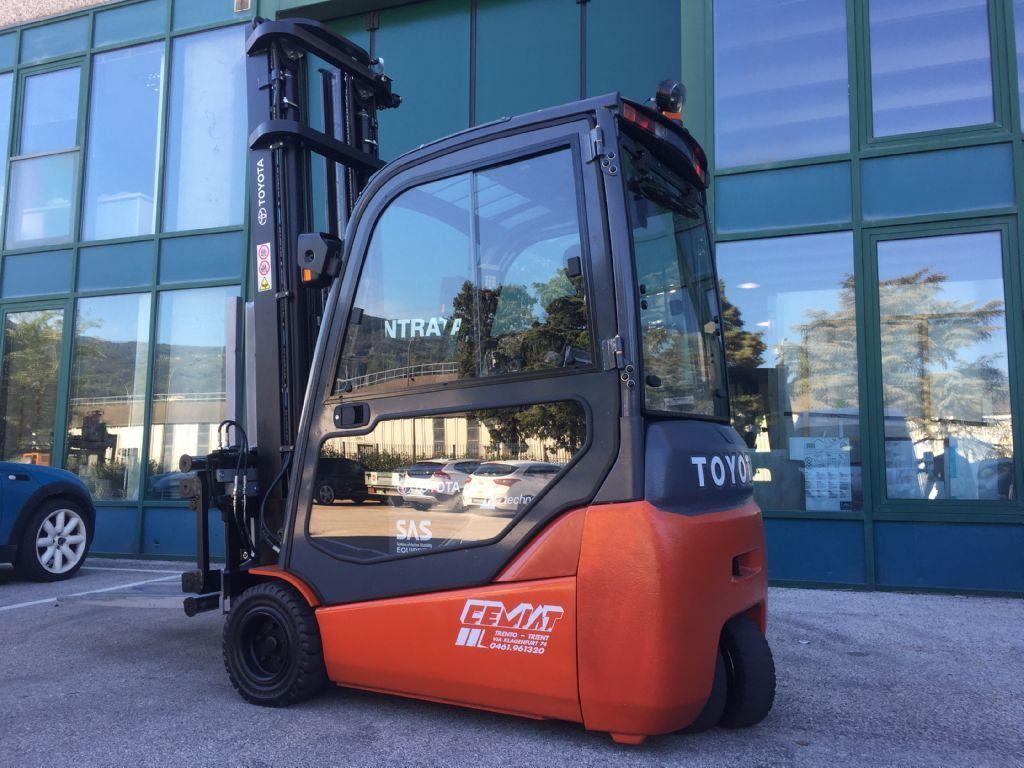 Toyota 8FBET20 Elettrico 3 ruote www.cemiat.com