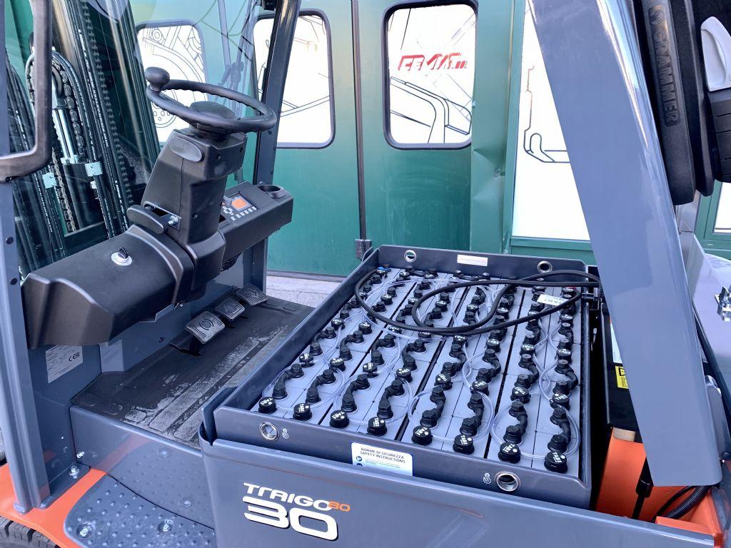 Toyota 8FBMKT30 Elettrico 4 ruote www.cemiat.com