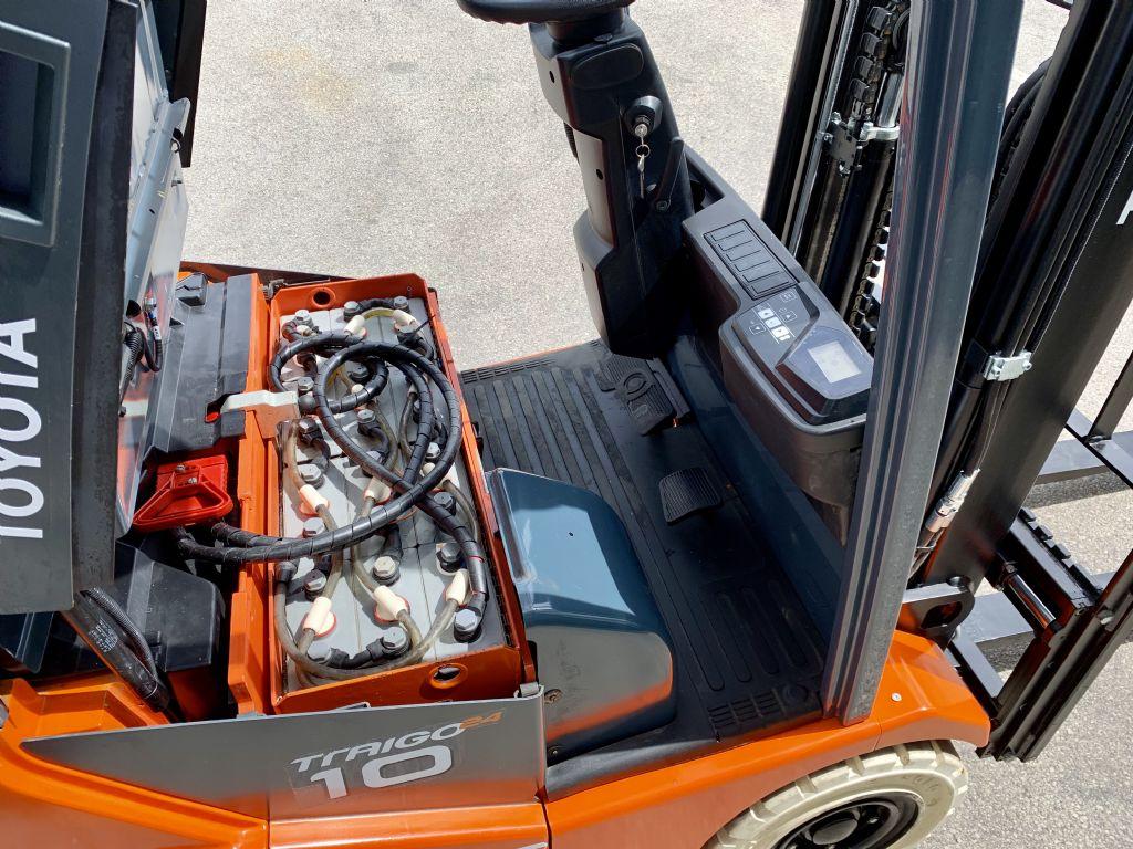 Toyota 7FBEST10 Elettrico 3 ruote www.cemiat.com