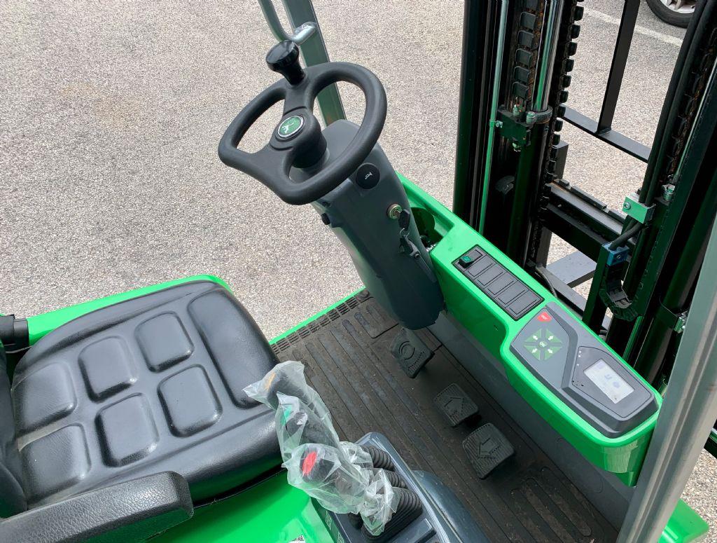 Cesab B210 Elektro 3 Rad-Stapler www.cemiat.com