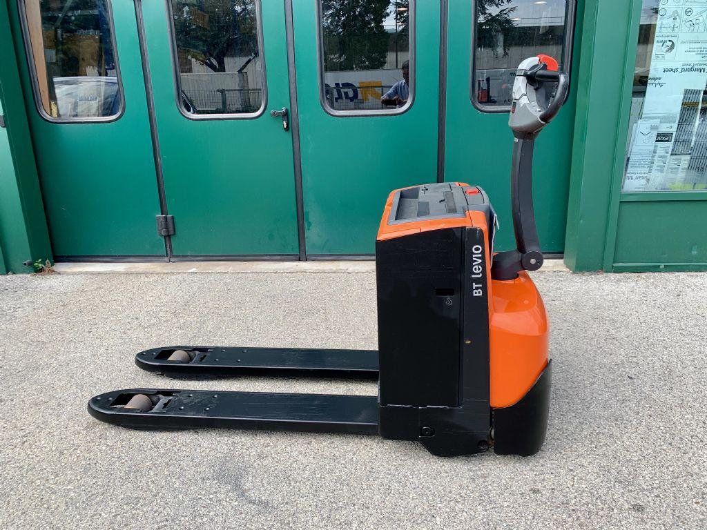BT LWE200 Niederhubwagen www.cemiat.com
