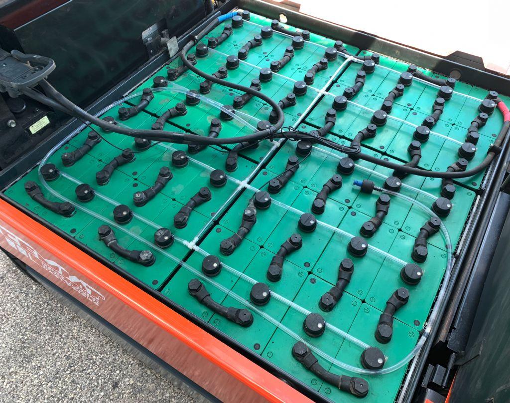 Toyota 7FBMF35 Elettrico 4 ruote www.cemiat.com