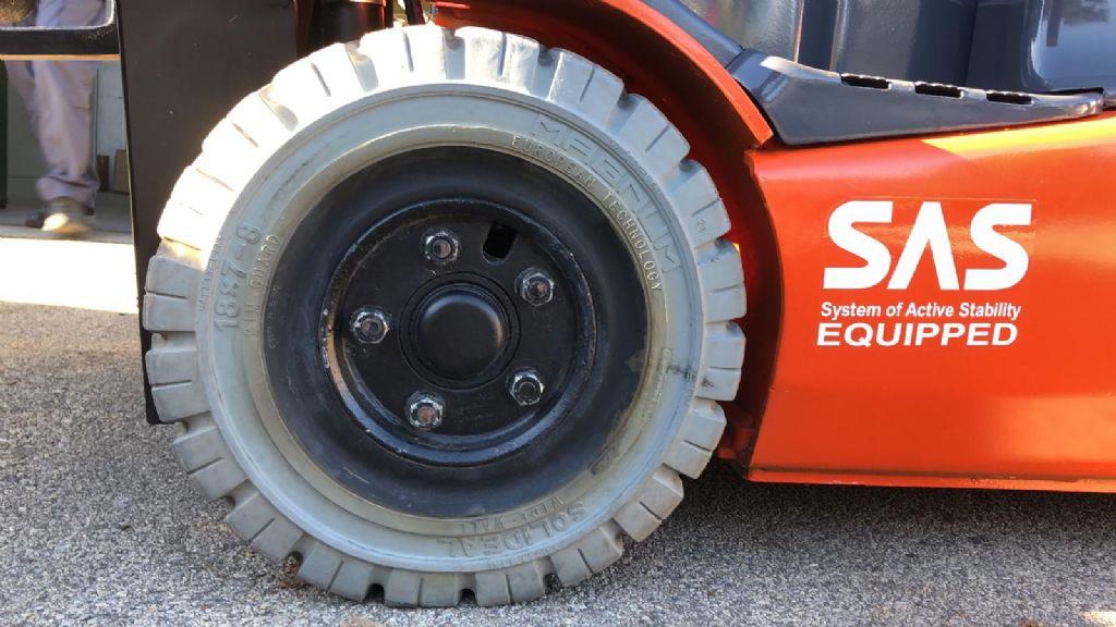 Toyota-IT 8FBET15 Elektro 3 Rad-Stapler www.cemiat.com