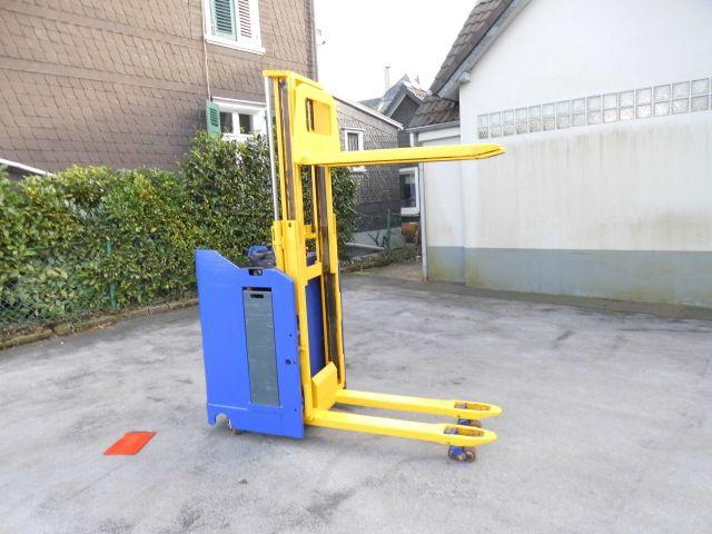 Stöcklin-ESI 16-Doppelstockstapler-http://www.decker-gabelstapler.de