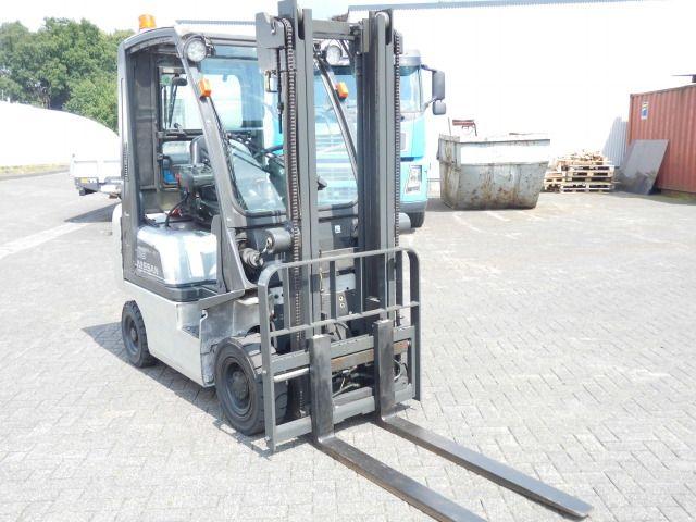 Nissan-PD01A18PQ-Treibgasstapler-http://www.decker-gabelstapler.de