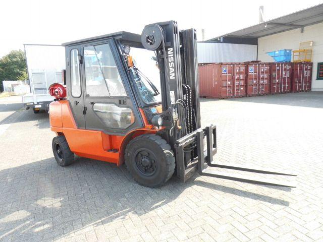 Nissan-F04L40Q/3F470-Treibgasstapler-http://www.decker-gabelstapler.de