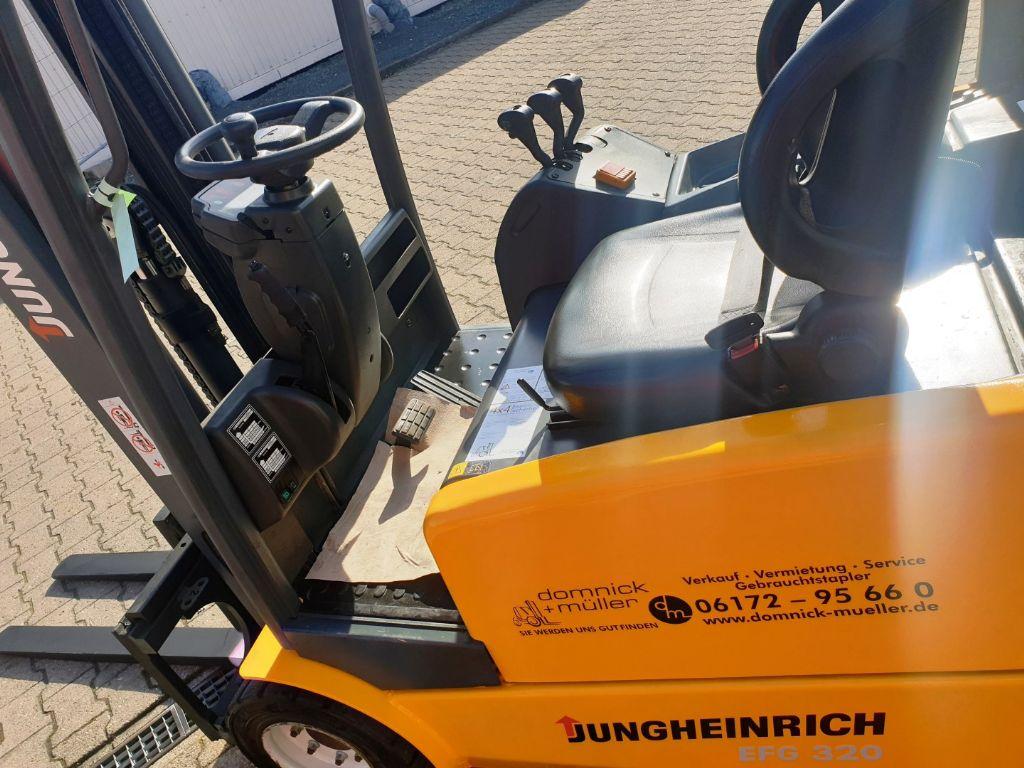 Jungheinrich EFG 320 Elektro 4 Rad-Stapler