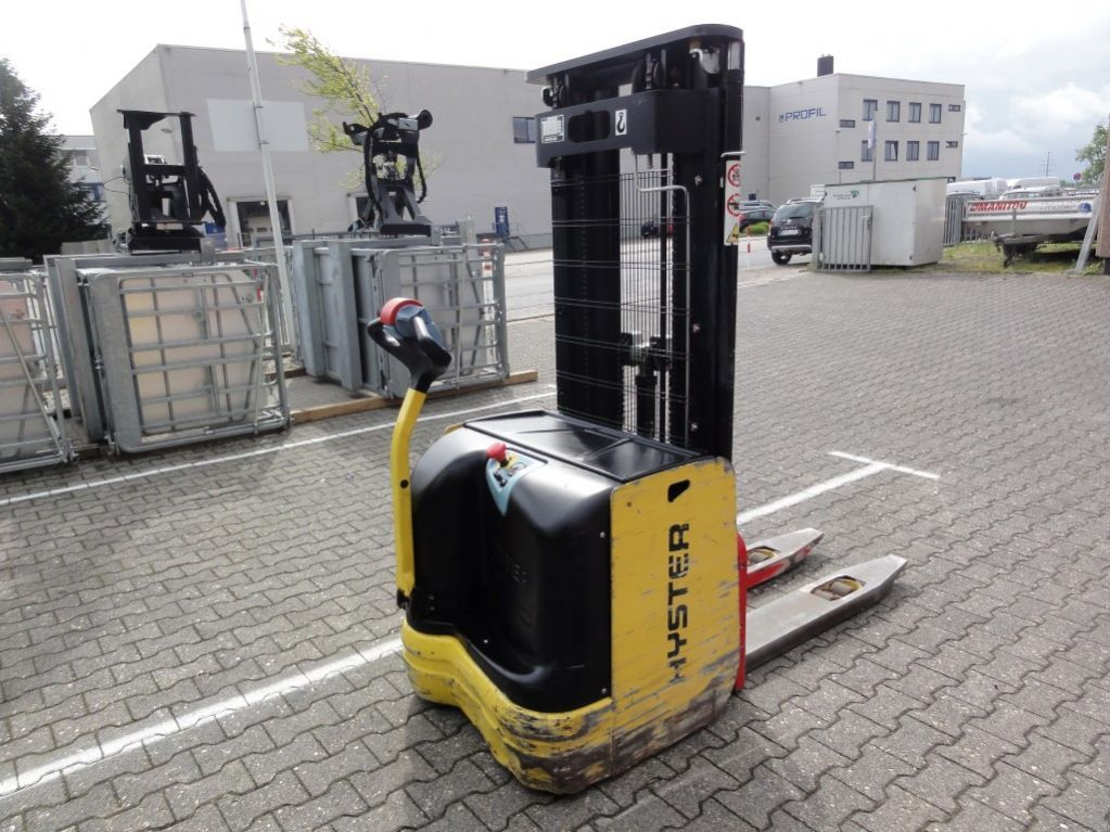 Used Hyster S 1 6-4328 High Lift stacker mit Triplex Mast sale   Buy