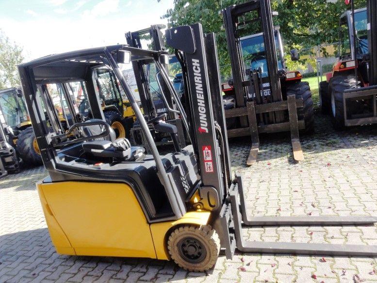Jungheinrich-EFG 216-Elektro 3 Rad-Stapler domnick-mueller.de