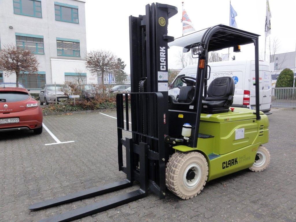 Clark-GEX 30 S - Demo 2014-Elektro 4 Rad-Stapler domnick-mueller.de