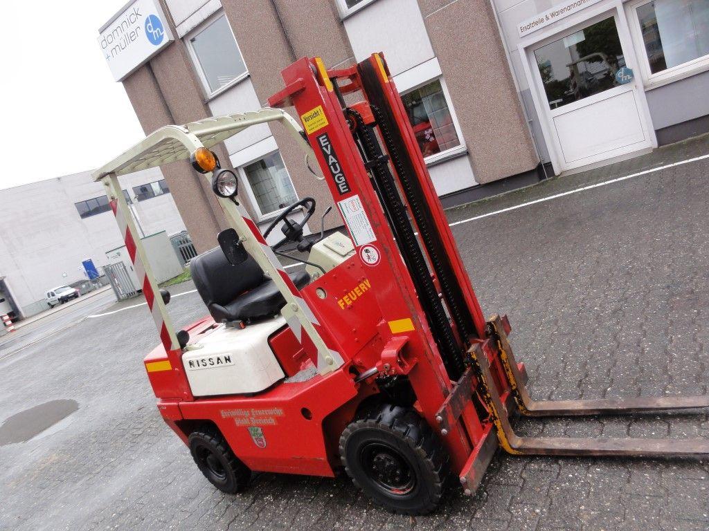 Nissan-QF01M15-Dieselstapler domnick-mueller.de
