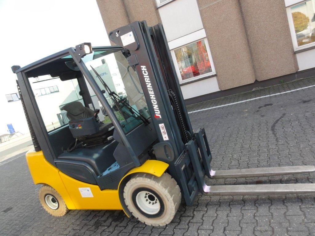 Jungheinrich-DFG 430 3F470 -Dieselstapler domnick-mueller.de