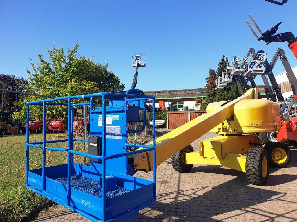 Genie-S-40 4WD (14mtr)-Teleskoparbeitsbühne domnick-mueller.de