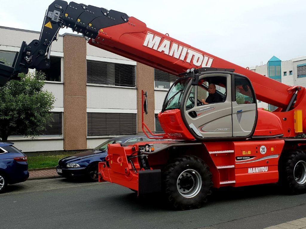 Manitou-MRT 3050 Privilege Plus-Teleskopstapler drehbar domnick-mueller.de