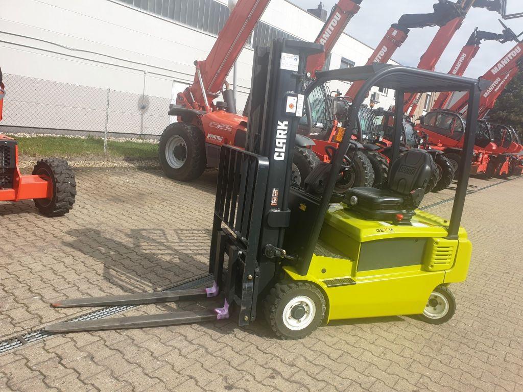 Clark-GEX 18-Elektro 4 Rad-Stapler domnick-mueller.de