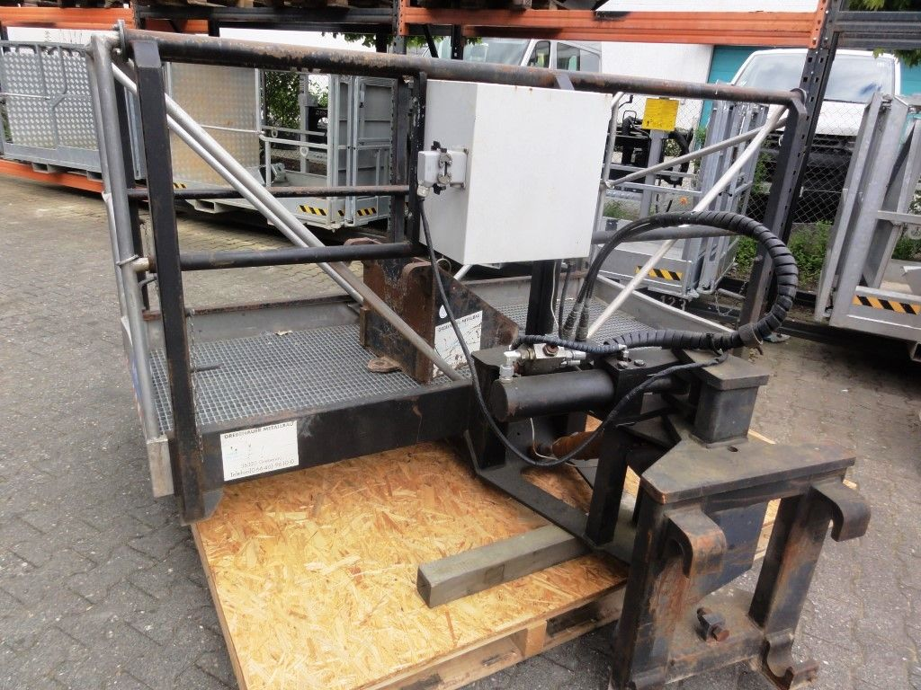 Merlo-EV 30.16 Roto-Teleskopstapler drehbar domnick-mueller.de
