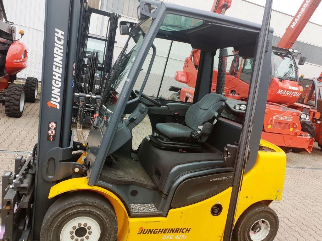 Jungheinrich-DFG 425 Hub 4000-Dieselstapler domnick-mueller.de