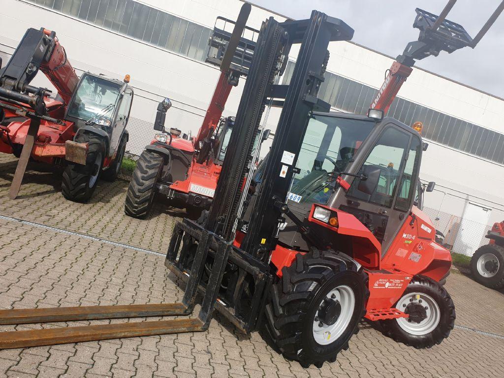 Manitou M30.4 3F550 S4EU Geländestapler www.roos-gabelstapler.de