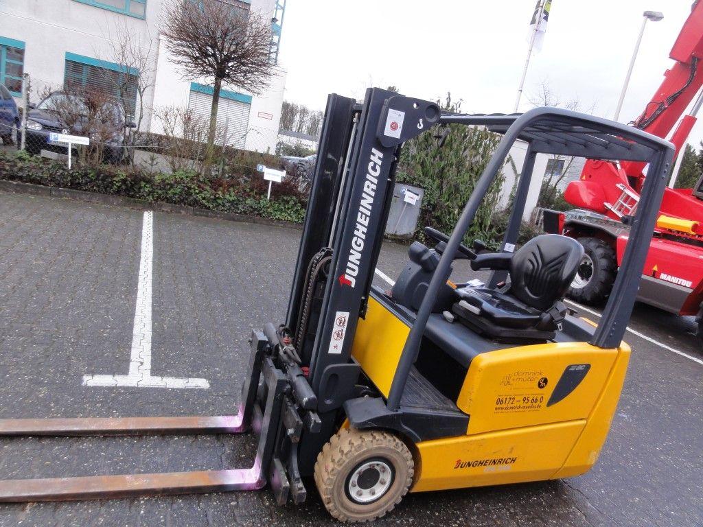 Jungheinrich-EFG 216 Container-Elektro 3 Rad-Stapler domnick-mueller.de