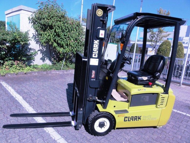 Clark-GEX 16-Elektro 3 Rad-Stapler domnick-mueller.de