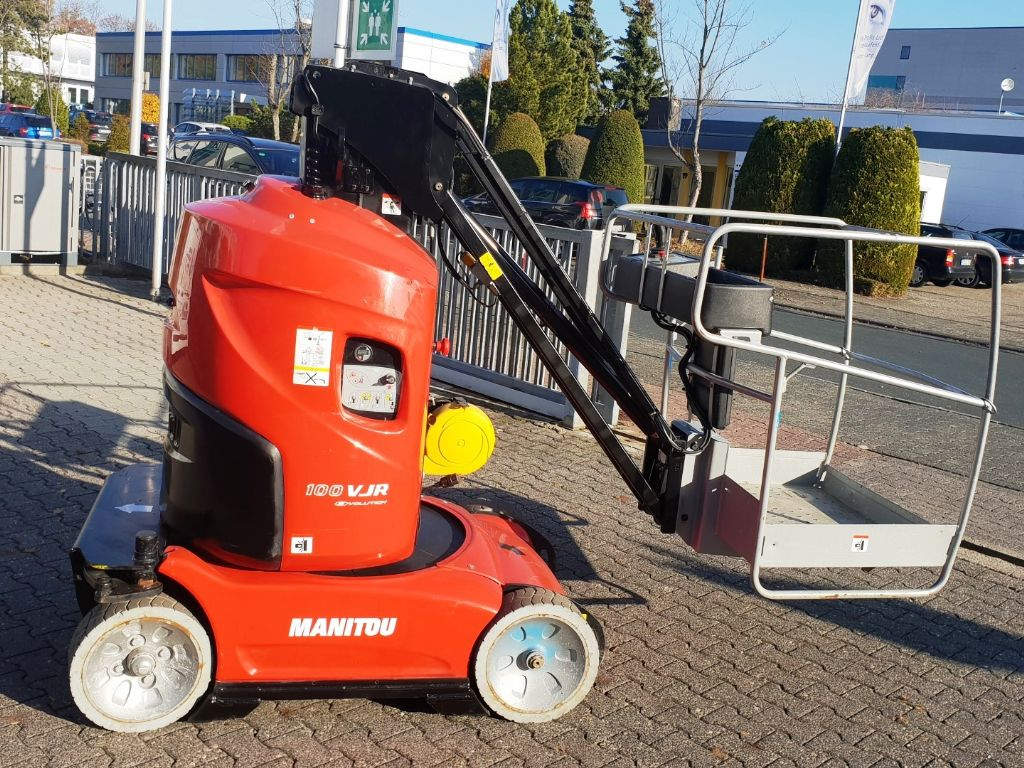 Manitou-100 VJR  10mtr -Senkrecht Hebebühne domnick-mueller.de