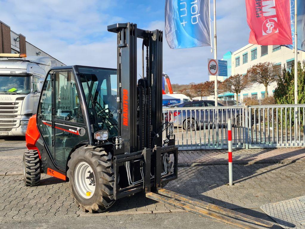 Manitou MC 30-4 ST3A S1 Geländestapler www.roos-gabelstapler.de