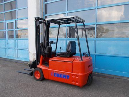 Linde-E 16 S-Elektro 3 Rad-Stapler-www.staplerservice-ebert.de