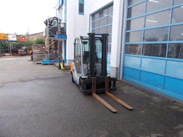 Still-RX 70-35T-Treibgasstapler-www.staplerservice-ebert.de