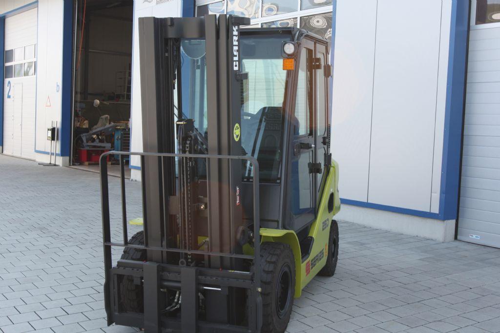 Clark-S25D-Dieselstapler-www.eckl-stapler.de