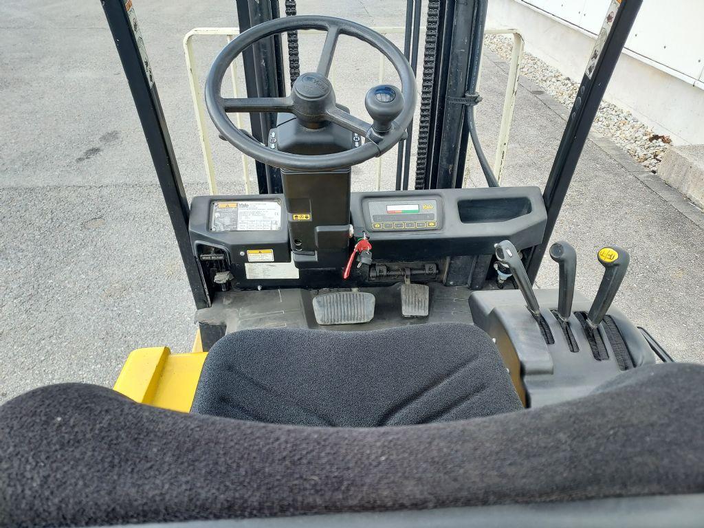 Yale ERP 18ATF teils defekt Elektro 3 Rad-Stapler www.eder-stapler.de