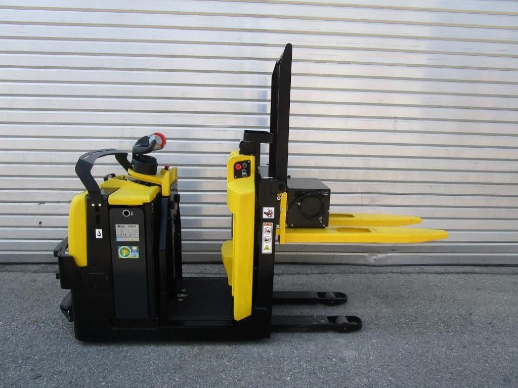 Hyster LO 1.0F Niederhubkommissionierer www.eder-stapler.de