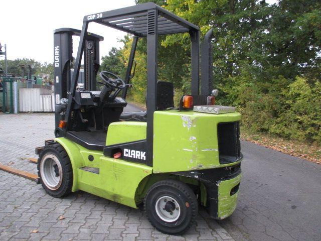 Clark-CDP 30-Dieselstapler-www.efken-stapler.de
